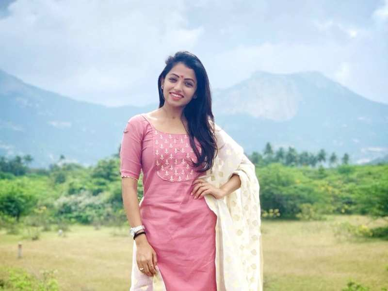 Actress Navya Swamy tests positive for COVID-19; urges everyone whom she met recently to undergo test (Photo - Instagram)