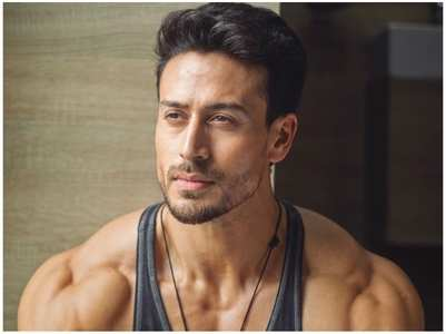 Tiger Shroff's sweet gesture for young fan