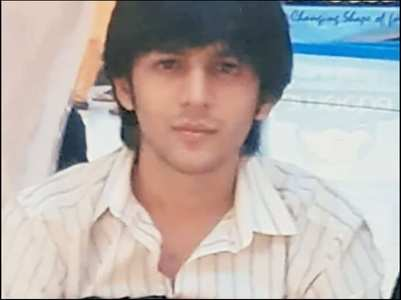 Kartik's pic is fab for Throwback Thursday