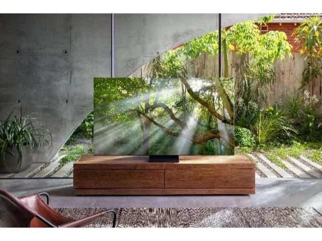 Samsung is giving Galaxy S20+ phones free with its 2020 QLED 8K TVs