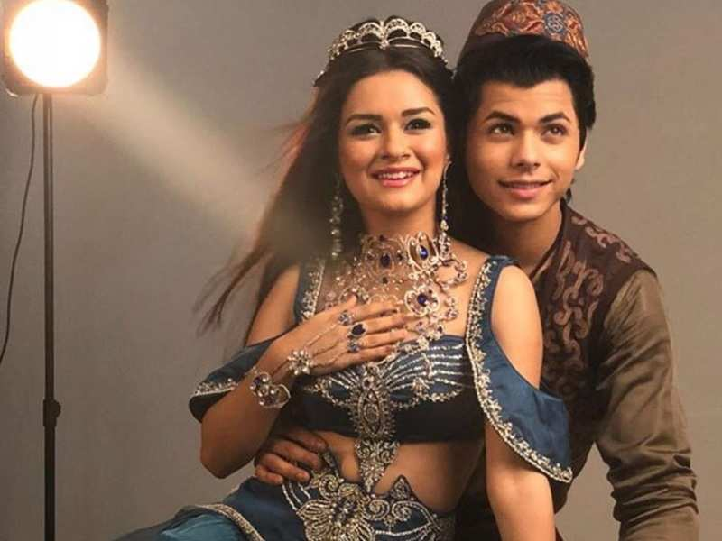 Siddharth Nigam supports Avneet Kaur's decision to quit Aladdin due to the pandemic; pens farewell note