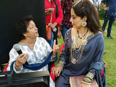 Kangana Ranaut pays tribute to Saroj Khan