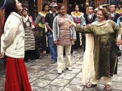 Kareena pays tribute to late Saroj Khan