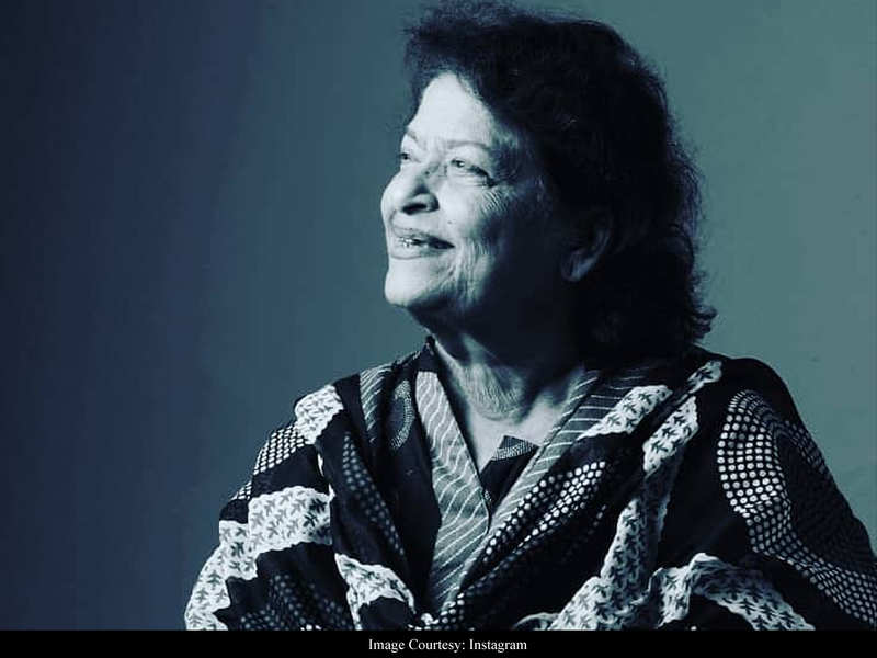 "Saroj Khan's family updates her Instagram account, ""There will be no prayer meet given the current Covid-19 situation"""