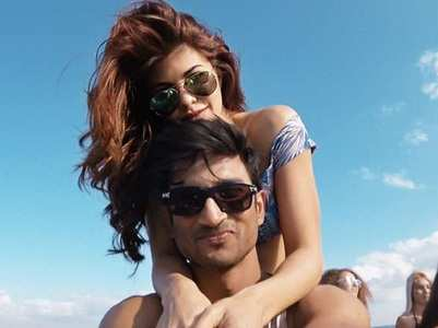 Throwback: Sushant-Jacqueline's dance video