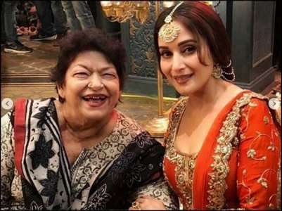 Madhuri shares throwback video of Saroj Khan