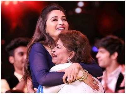 Madhuri's post for her 'Masterji' Saroj Khan