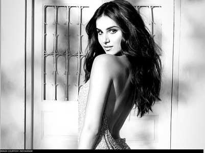 Tara looks gorgeous in THIS monochrome pic