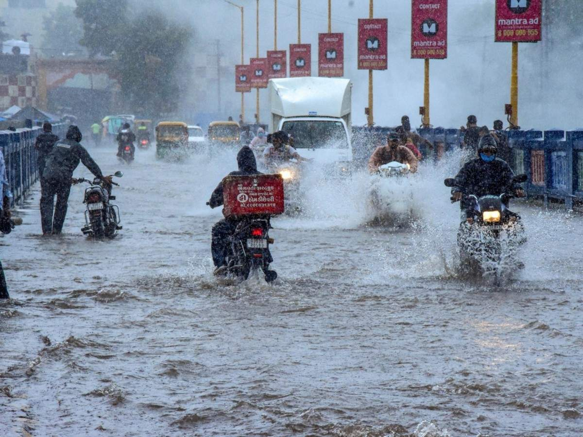 Heavy rain lashes Gujarat; flood situation improves in Assam   India News -  Times of India