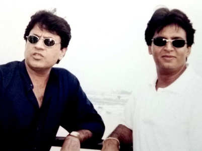 TBT: Pics of Sunil, Arun from Niagara Falls