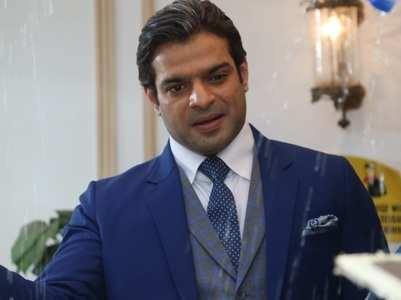 Karan Patel makes entry as the new Mr Bajaj