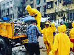 Netizens hail Randeep Hooda as he steps out to clean Versova beach amid coronavirus outbreak
