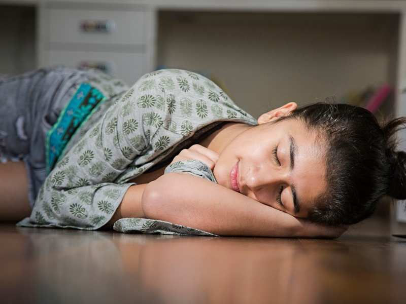 Teens who stay up late have a higher risk of developing asthma and other allergies, finds study