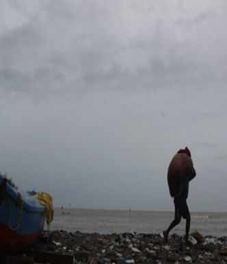 Heavy rains likely at isolated places in Gujarat