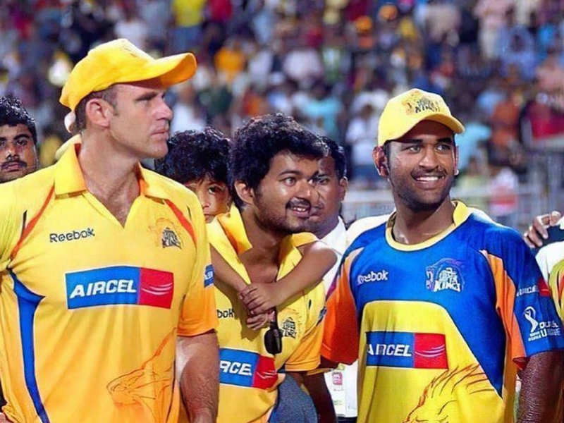 Mathew Hayden shares favorite picture with Thalapathy Vijay
