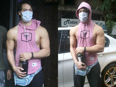 Trending: Tiger's pink sleeveless hoodie