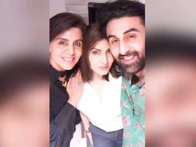 Neetu's bday: Riddhima's pic with mom & Ranbir