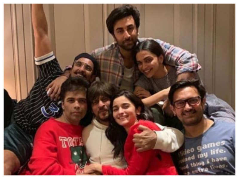 Throwback: When Shah Rukh Khan, Alia Bhatt, Ranbir Kapoor, Aamir Khan and others came together for an epic picture