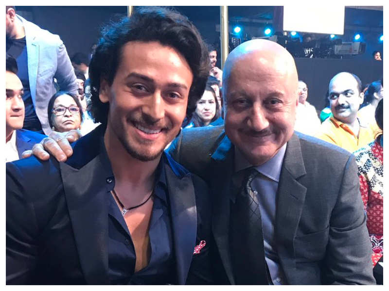 Anupam Kher's hilarious comment on Tiger Shroff's shirtless throwback picture will leave you in splits