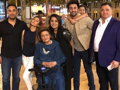 When Neetu Kapoor celebrated b'day in Paris