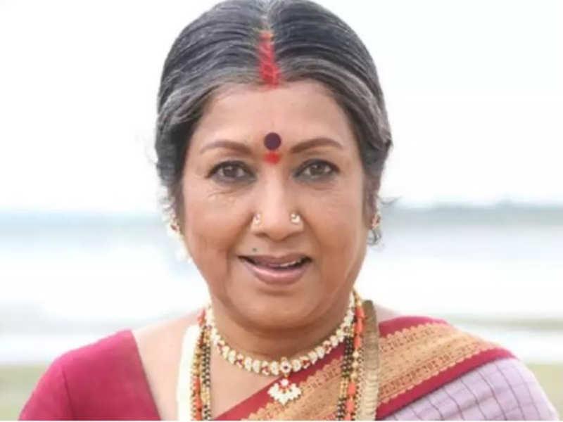 Veteran actress Jayanthi admitted in hospital