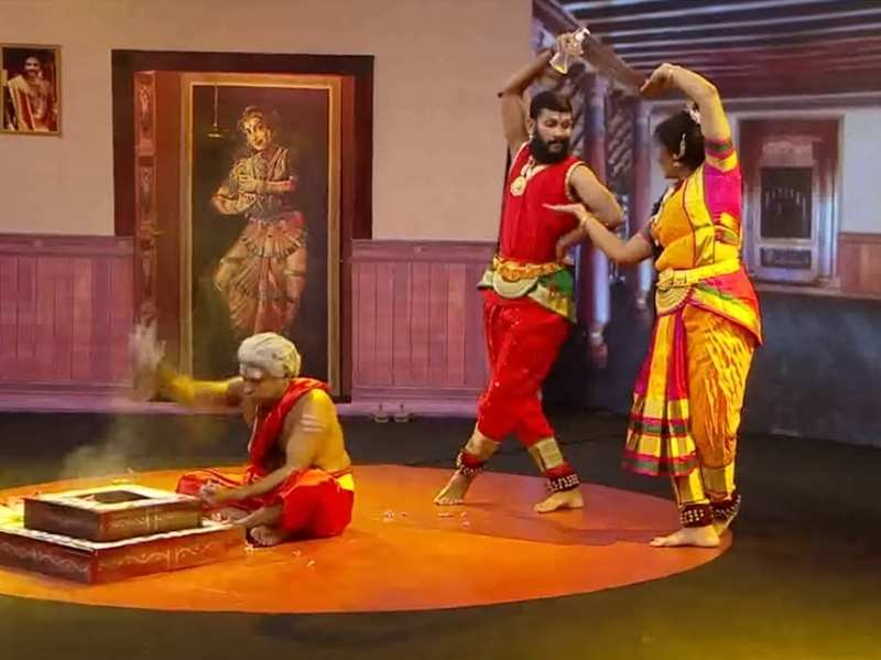 Comedy Stars: Manichithrathazhu's spoof with COVID-19 theme wins laurels from Lal, Tini Tom and others