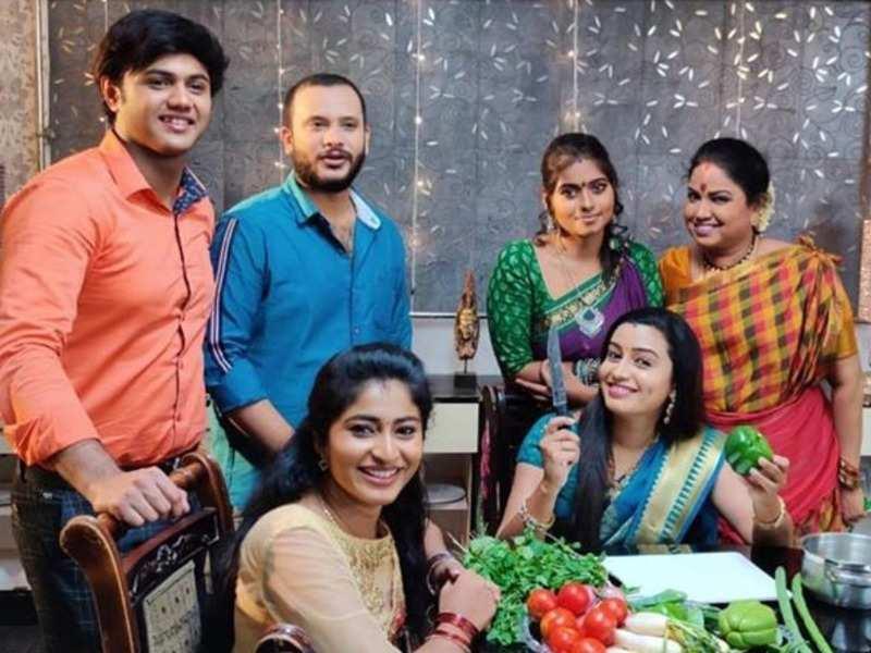 Daily soap Azhagu to go off-air soon; Avinash, Vaishnavi Arulmozhi and other actors get emotional (Photo - Instagram)