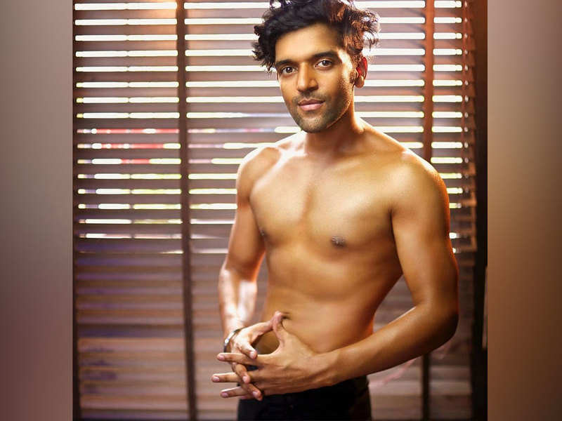 Guru Randhawa doles out fitness goals with his latest video