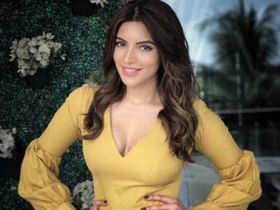 Shama enjoys virtual photoshoot sessions