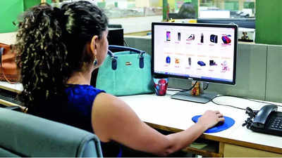 Delhi Police to online shoppers: Don't do these things while buying or selling second hand goods online
