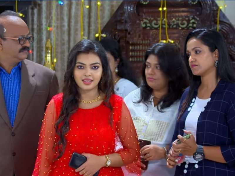 Pookkalam Varavayi: Samyuktha gives a befitting reply to haters