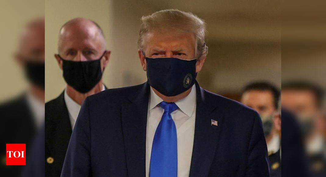 As virus rages in US, Trump lastly wears a masks thumbnail