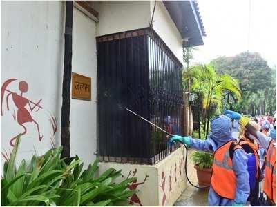 BMC sanitises Big B's Jalsa residence