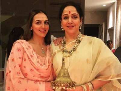 Esha refutes news of Hema Malini being ill