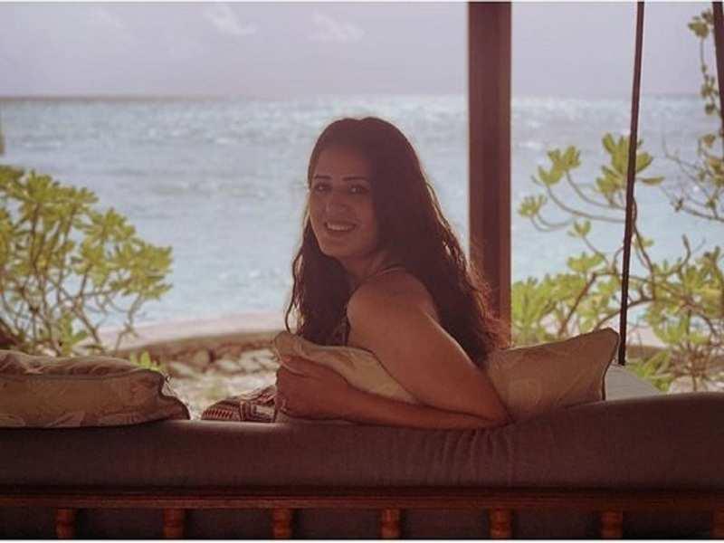 Actress Isha Rikhi enjoying lazy vibes of Goa