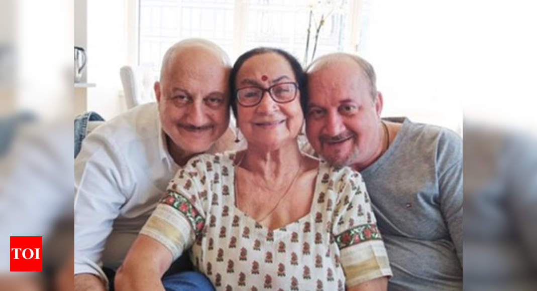 Anupam Kher confirms that his mother is in isolation ward, thanks fans for their support