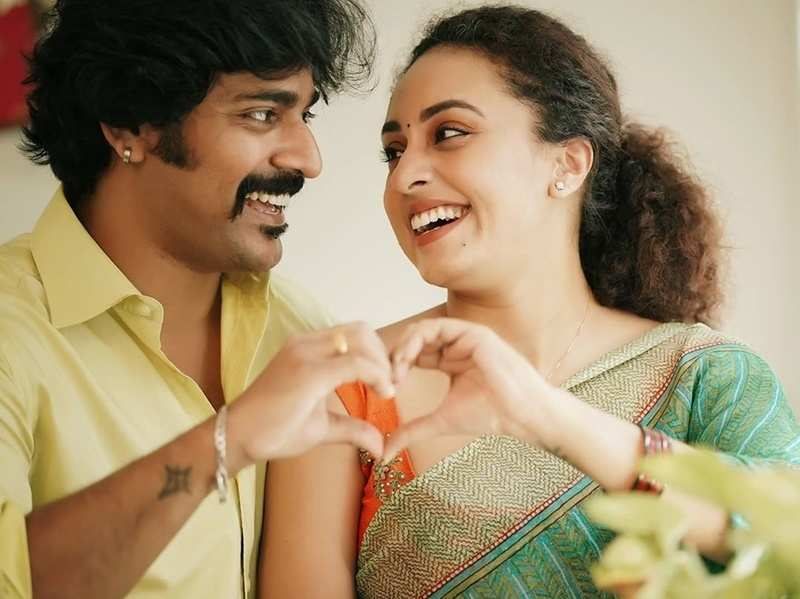 Watch: This romantic dance video of TV couple Pearle Maaney and Srinish Aravind is unmissable