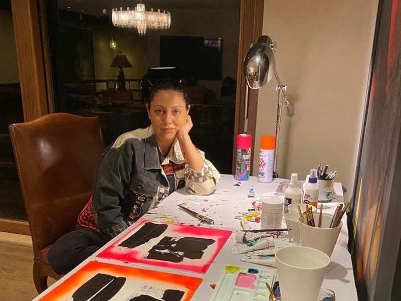 Gauri Khan indulges in abstract art on canvas during quarantine at Mannat