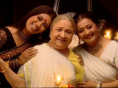 People touched Sudha Shivpuri aka Baa's feet