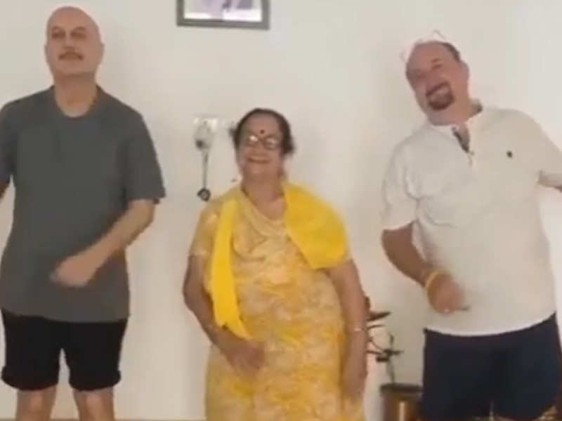 Anupam Kher updates that his mother is doing well, keeping up with relatives from the hospital