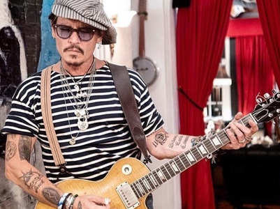 Johnny Depp's staff defends him