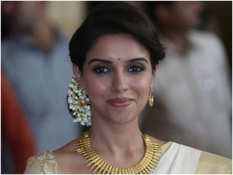 Image credit: Asin fan page