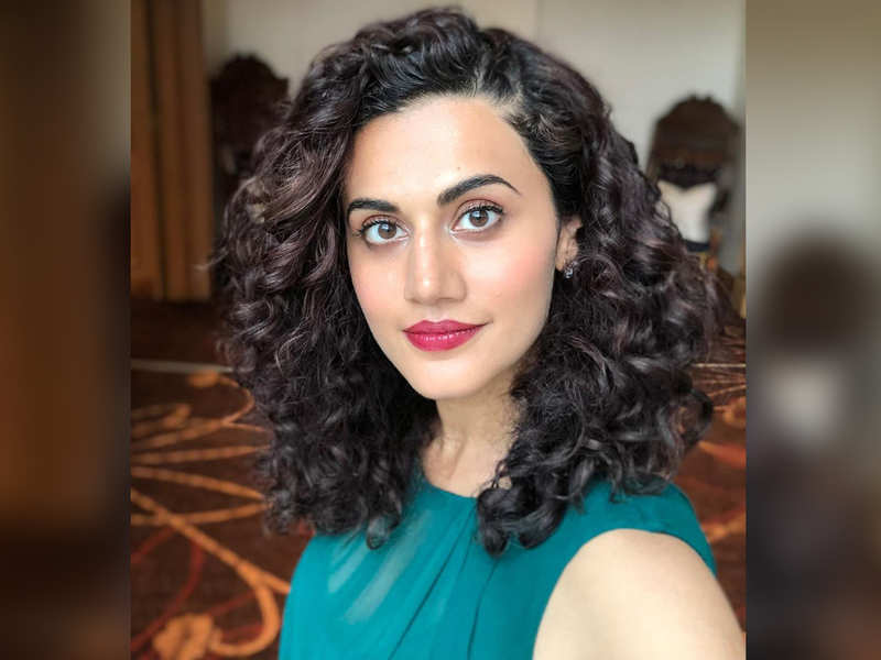 Throwback: Taapsee Pannu shares a beautiful selfie from the sets of 'Badla'