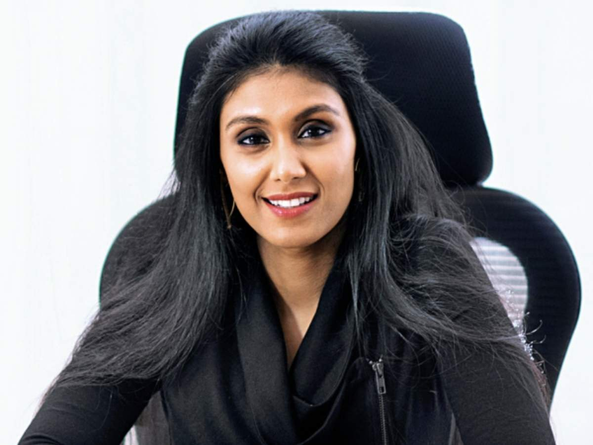 Roshni Nadar takes over from father at HCL - Times of India