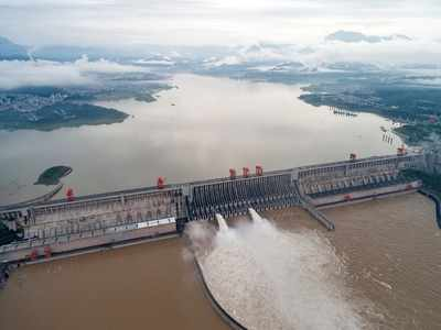 77037544 Floods kill 14 in China as water peaks at Three Gorges Dam