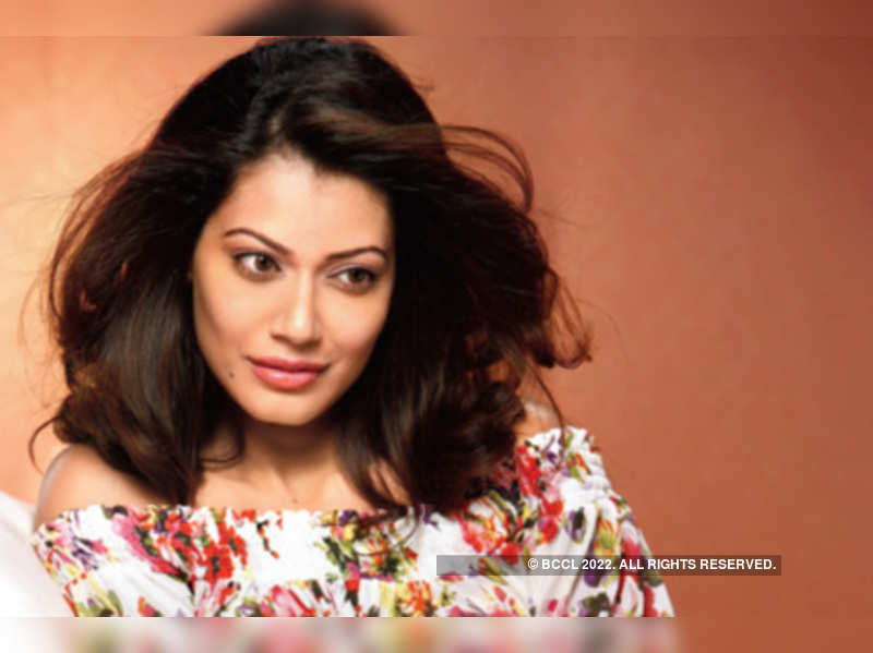 """Payal Rohatgi <a href=""""http://photogallery.indiatimes.com/articleshow/7725611.cms"""" target=""""_blank"""">More Pics</a>"""