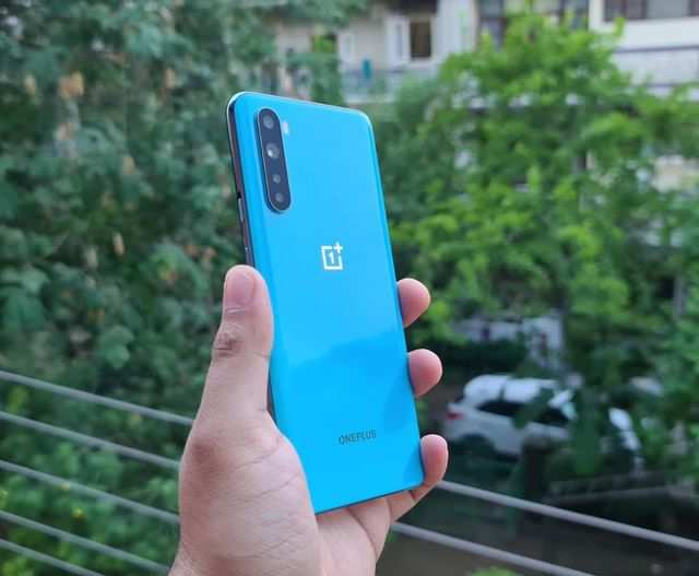 OnePlus Nord users complain about display tinting issue