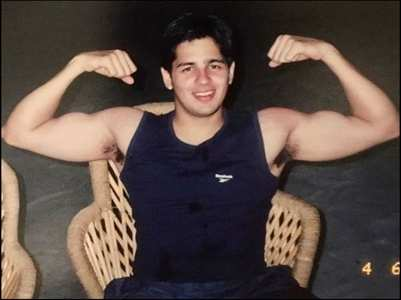 Pic: Sidharth shares a TB from his college