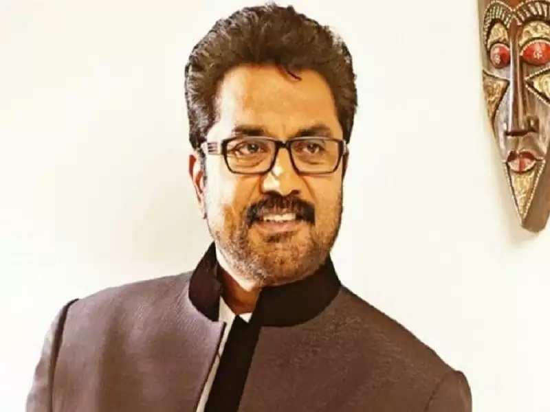 Sarathkumar lodges police complaint against impersonator