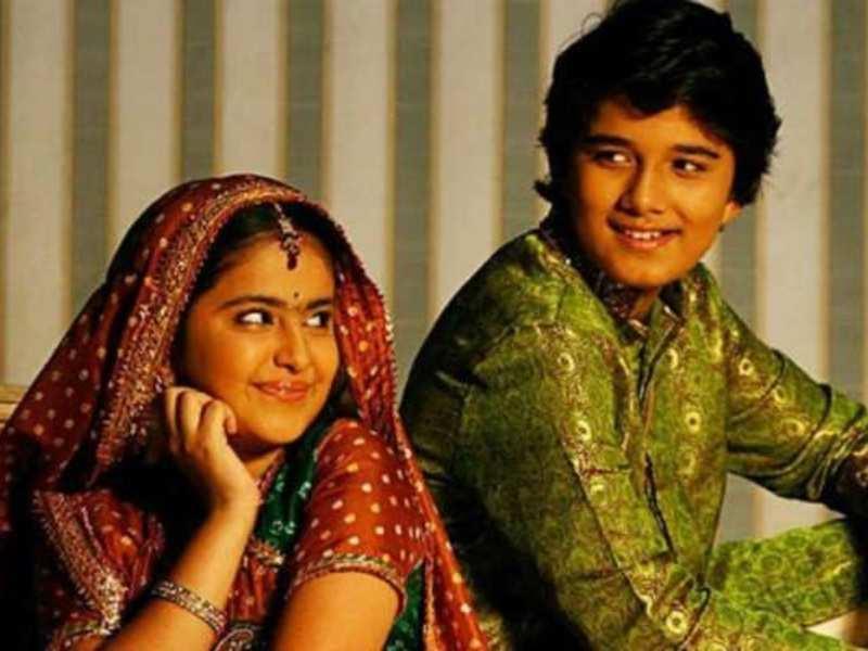Avika Gor wishes her Balika Vadhu co-star Avinash Mukherjee on his birthday, calls him 'nakte bandar'